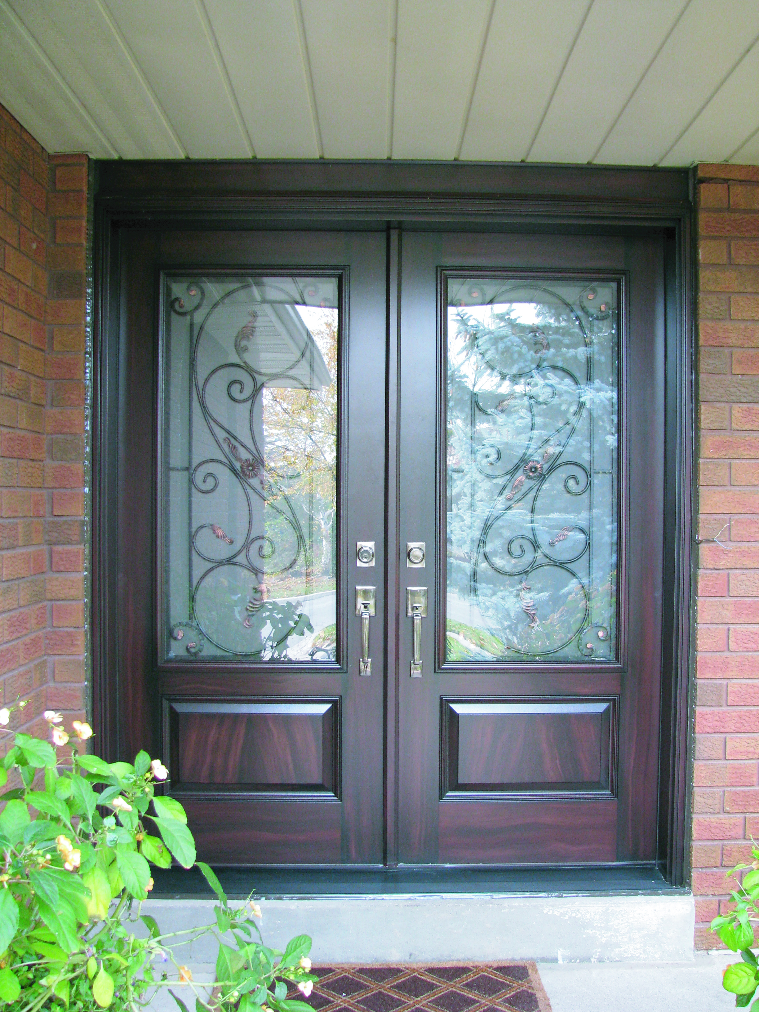 200 series insulated fiberglass entrance doors fibertec for Exterior entry doors with glass